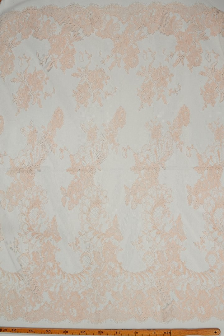 Chantilly lace lipeachy pink