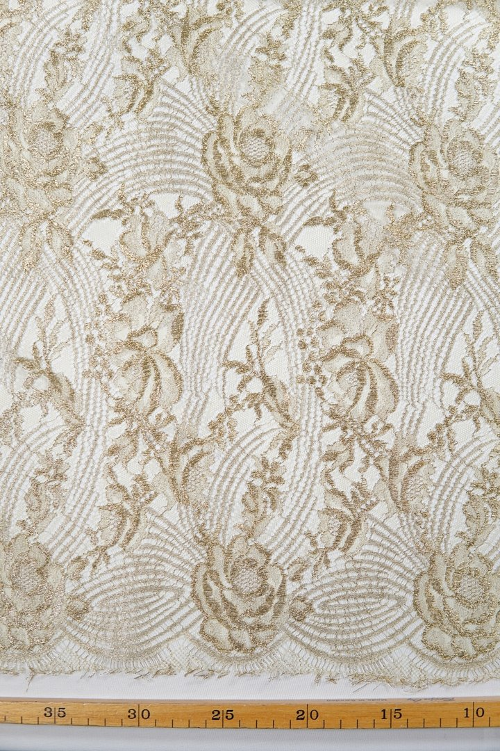 Chantilly lace gold